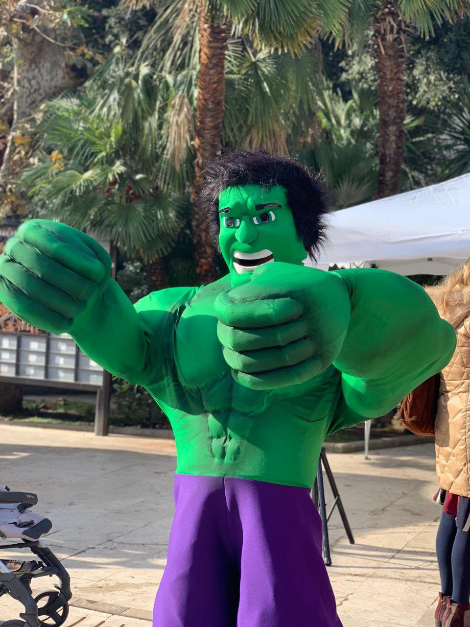 Mascotte Gigante Hulk - MonteFantasy Animation